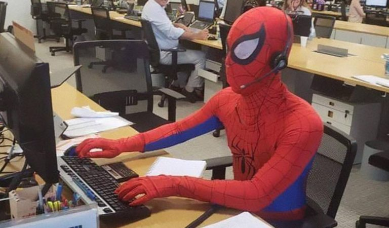 Bank worker puts in his two weeks notice, shows up as Spider-Man on last day